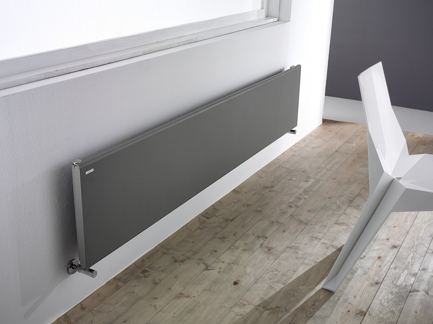 Iconic designer radiators tif horizontal radiator for Termosifoni da arredo